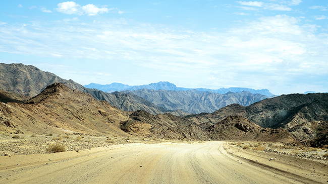 Driving Dirt Roads, Dunes And Deserts - Image 2