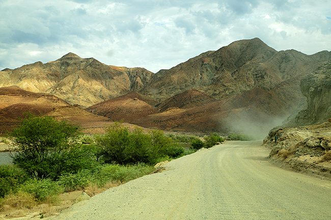 Driving Dirt Roads, Dunes And Deserts - Image 5