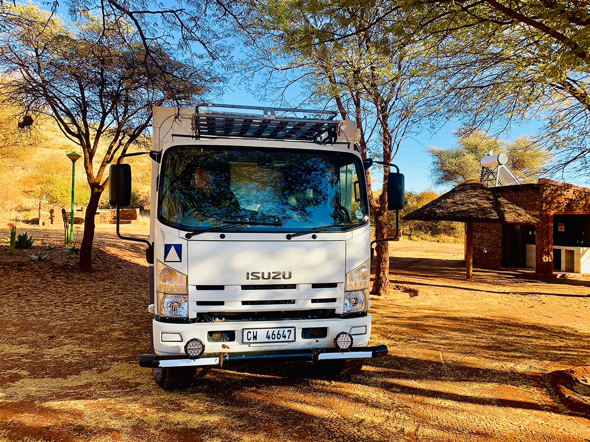 The Fab Four Conquer The Kalahari - En Route to Mabuasahube - Image 19