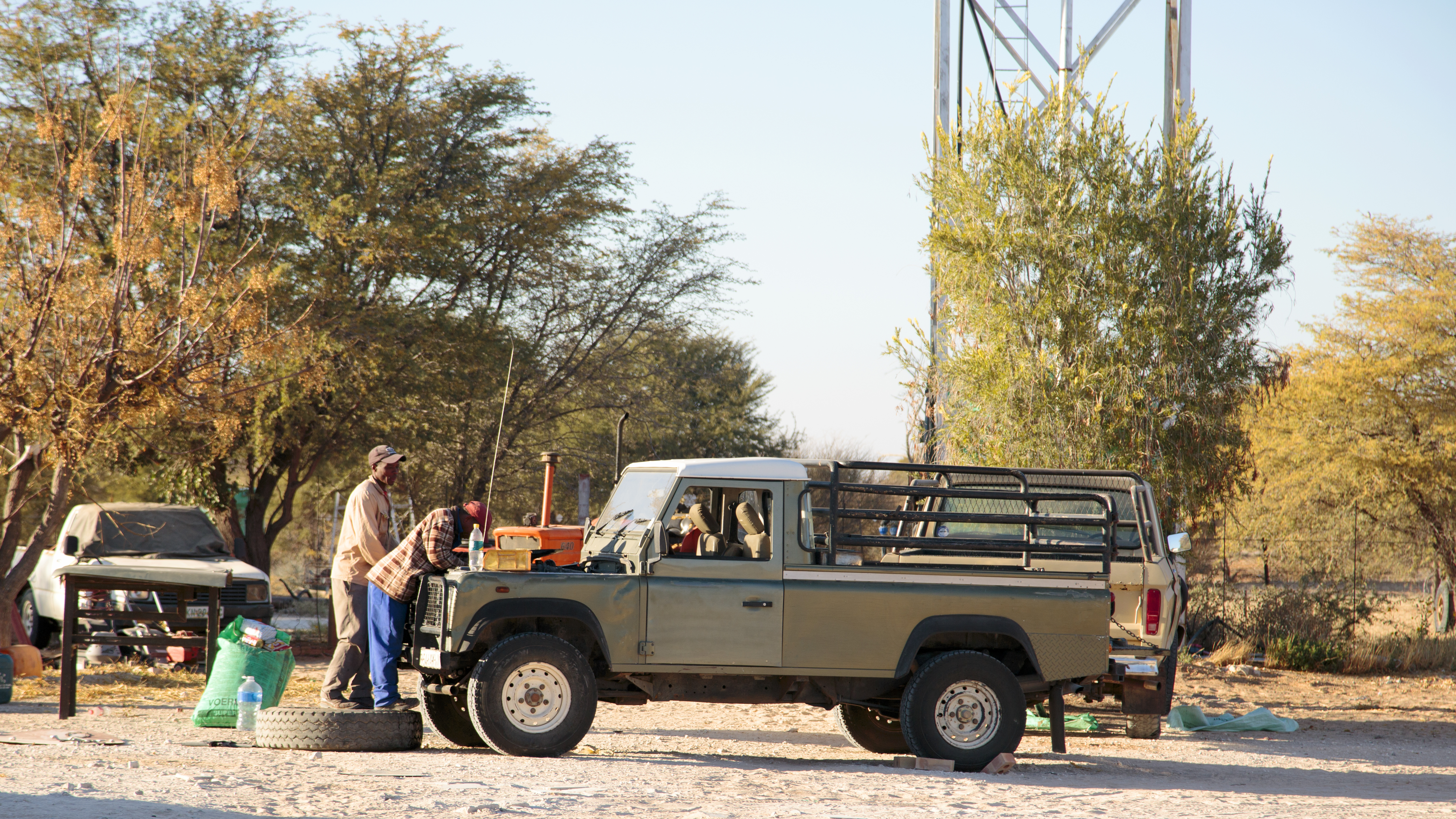 The Fab Four Conquer The Kalahari - En Route to Mabuasahube - Image 6