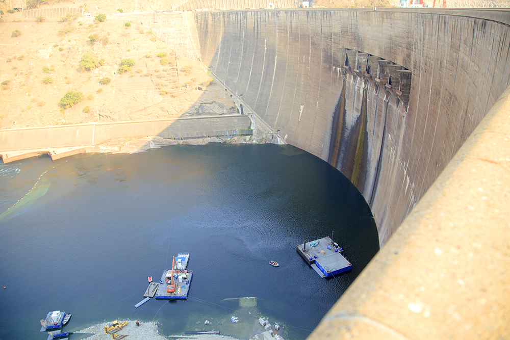 The Wall - Kariba Dam - Image 11