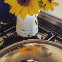 Monday in the kitchen. Cooking up a storm #reflections #flowers #yellow #kitchen #soup #autumn #maricha360 #maricha360